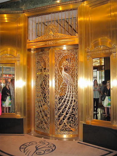 Tiffany doors at the Palmer House in Chicago via ©livethefinelife.com