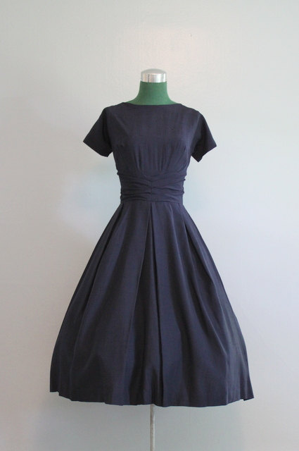 Live the Fine Life in a vintage 50's dress from Hollie Point on Etsy
